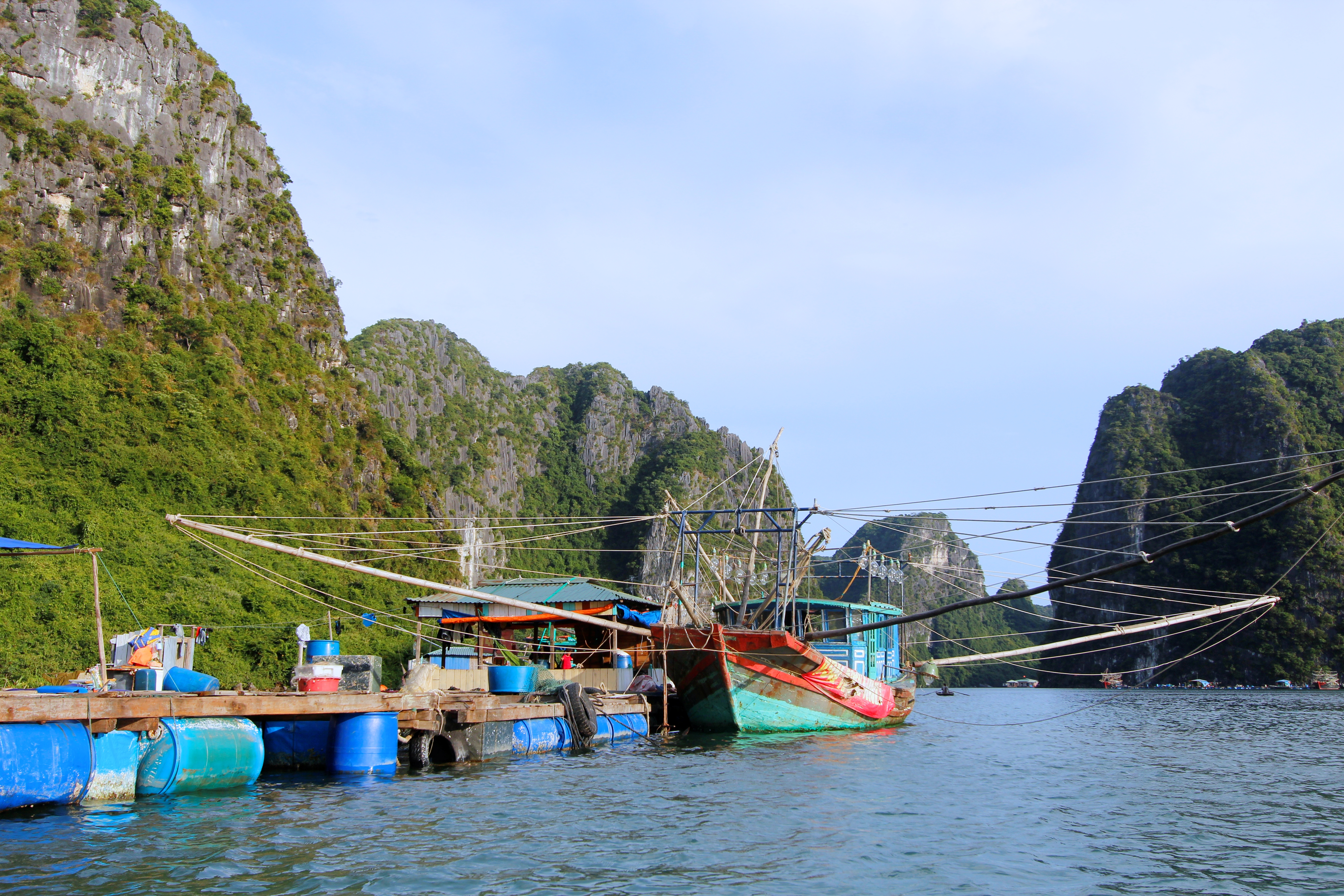 cua_van_fishing_village_1