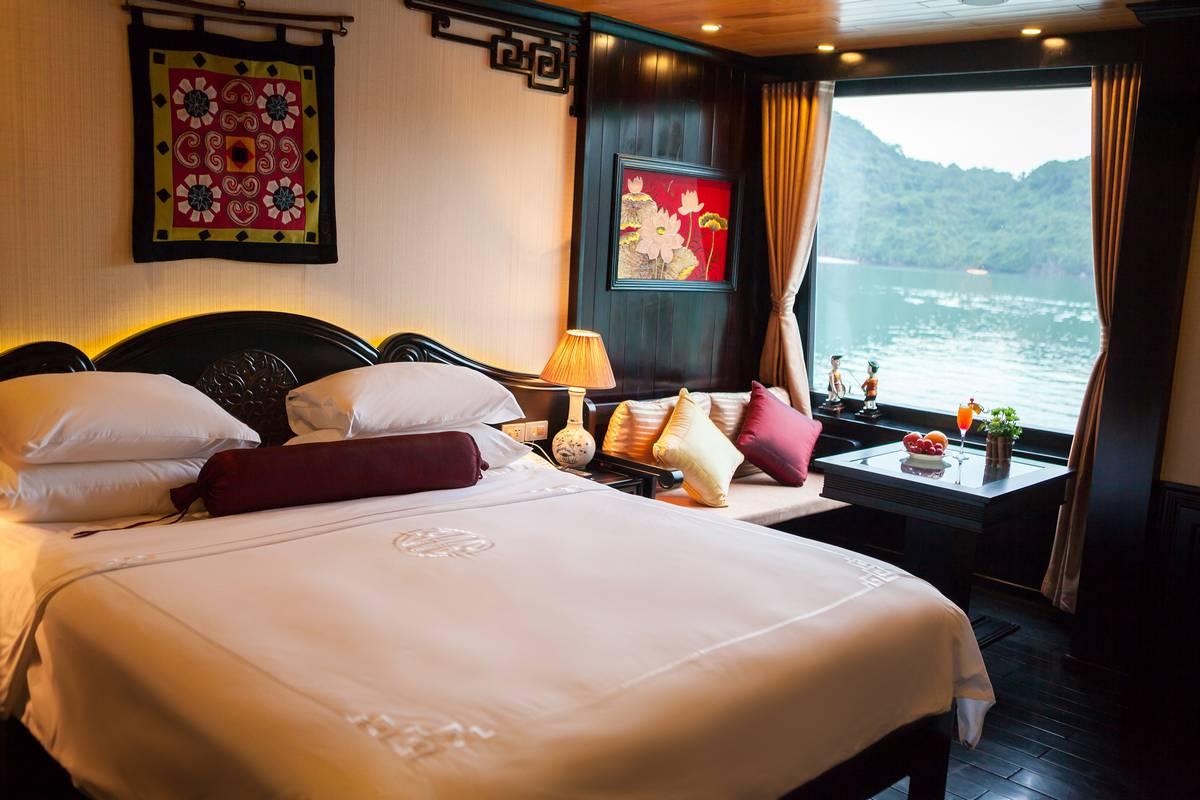 Halong-Bay-Luxury-Cruise-Cabin-Dragon-Legend_6_2017_04